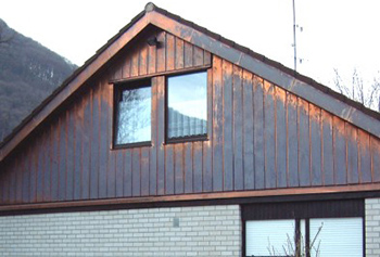 Gable facade with lug and cover-sheet, copper
